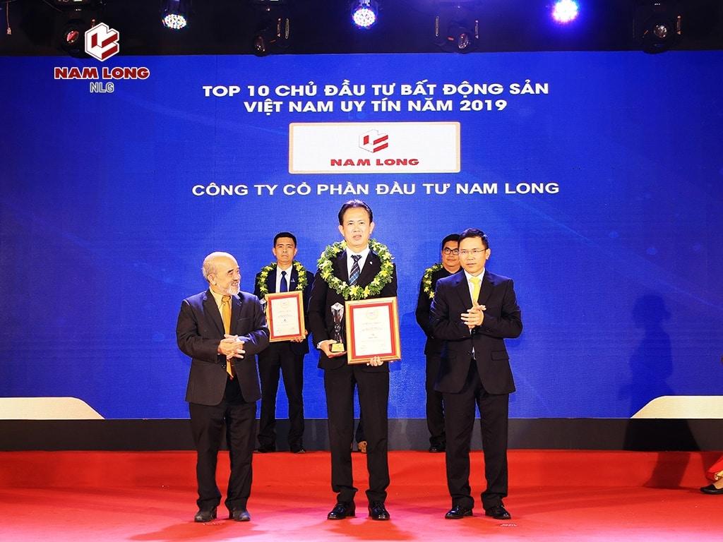 Nam Long Group(NLG) đoạt giải top 10 chủ đầu tư bất động sản uy tín năm 2019.