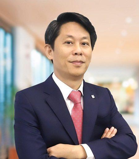 Ông Nguyễn Thanh Sơn là Tổng Giám đốc của Nam Long Land (NLL CEO) và tham gia quản lý Trung tâm chuyên môn (COEs)